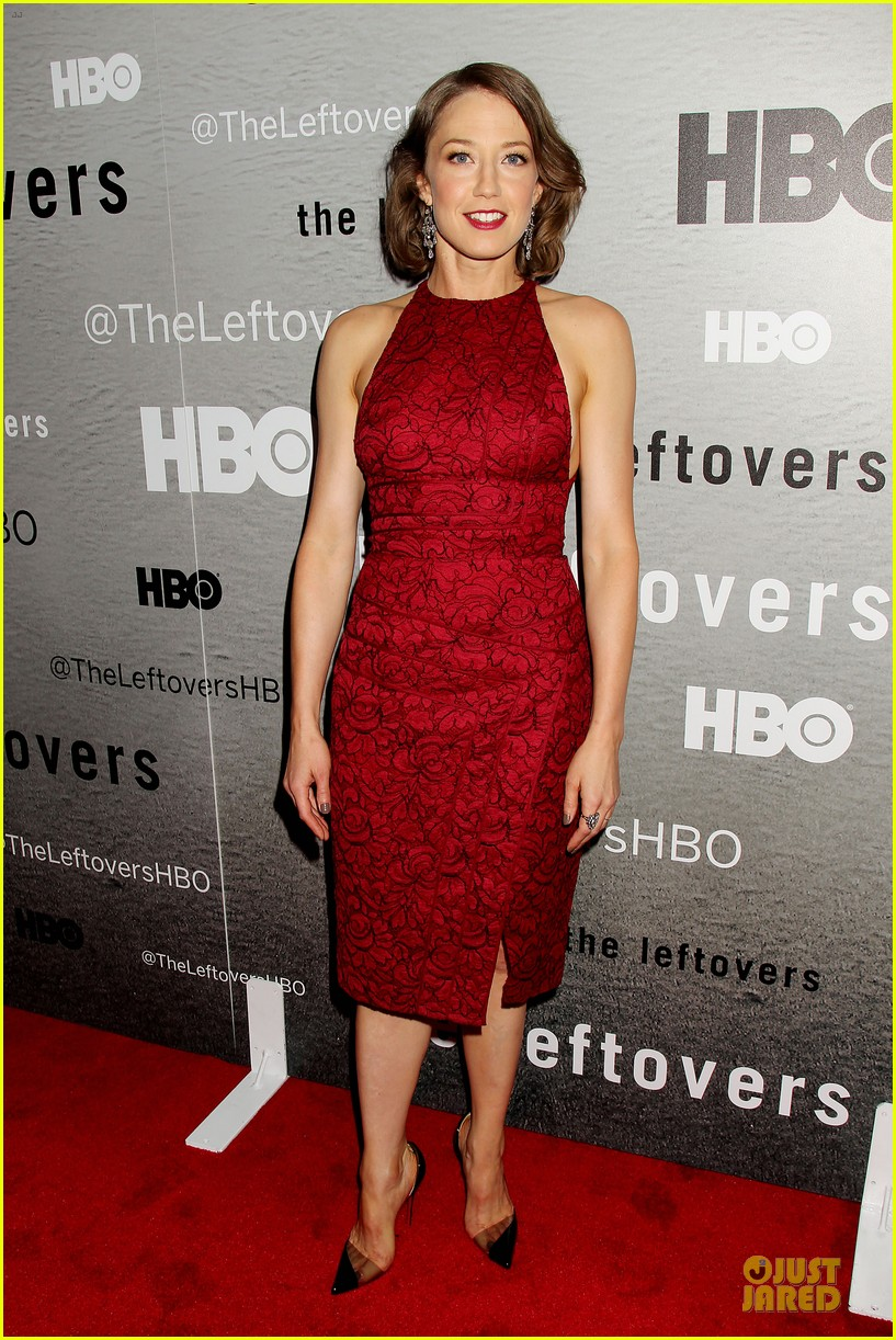 liv tyler amy brenneman stunning at leftovers premiere 03