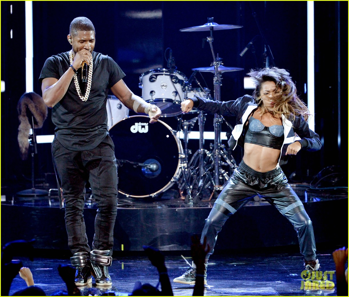 usher bet awards 2014 07