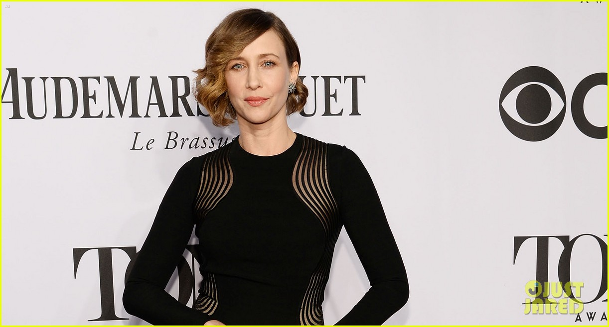 vera farmiga tony awards 2014 red carpet 053131214