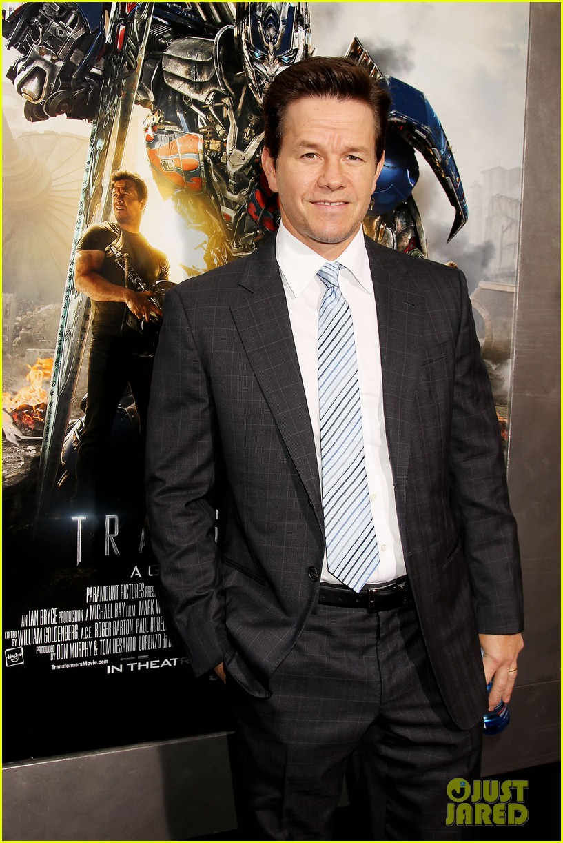 mark wahlberg brings the family to transformers nyc premiere 043143424