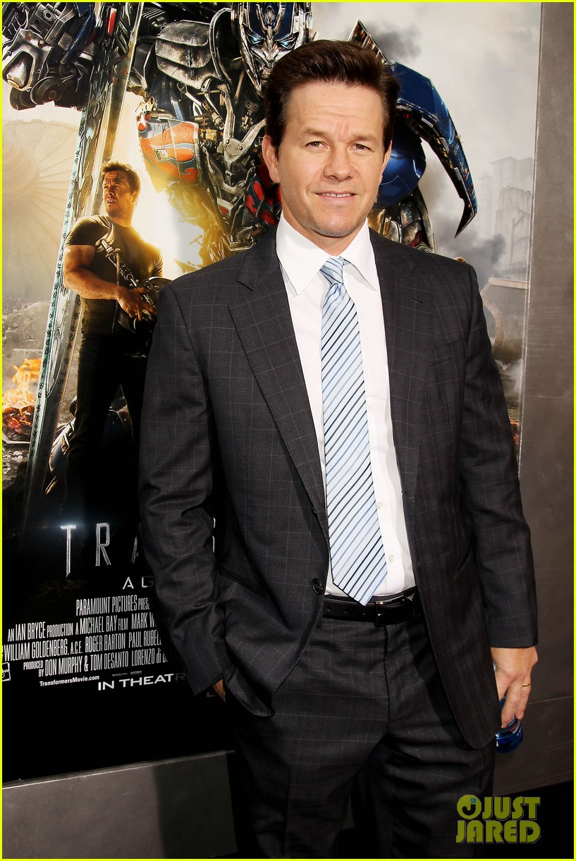 mark wahlberg brings the family to transformers nyc premiere 083143428