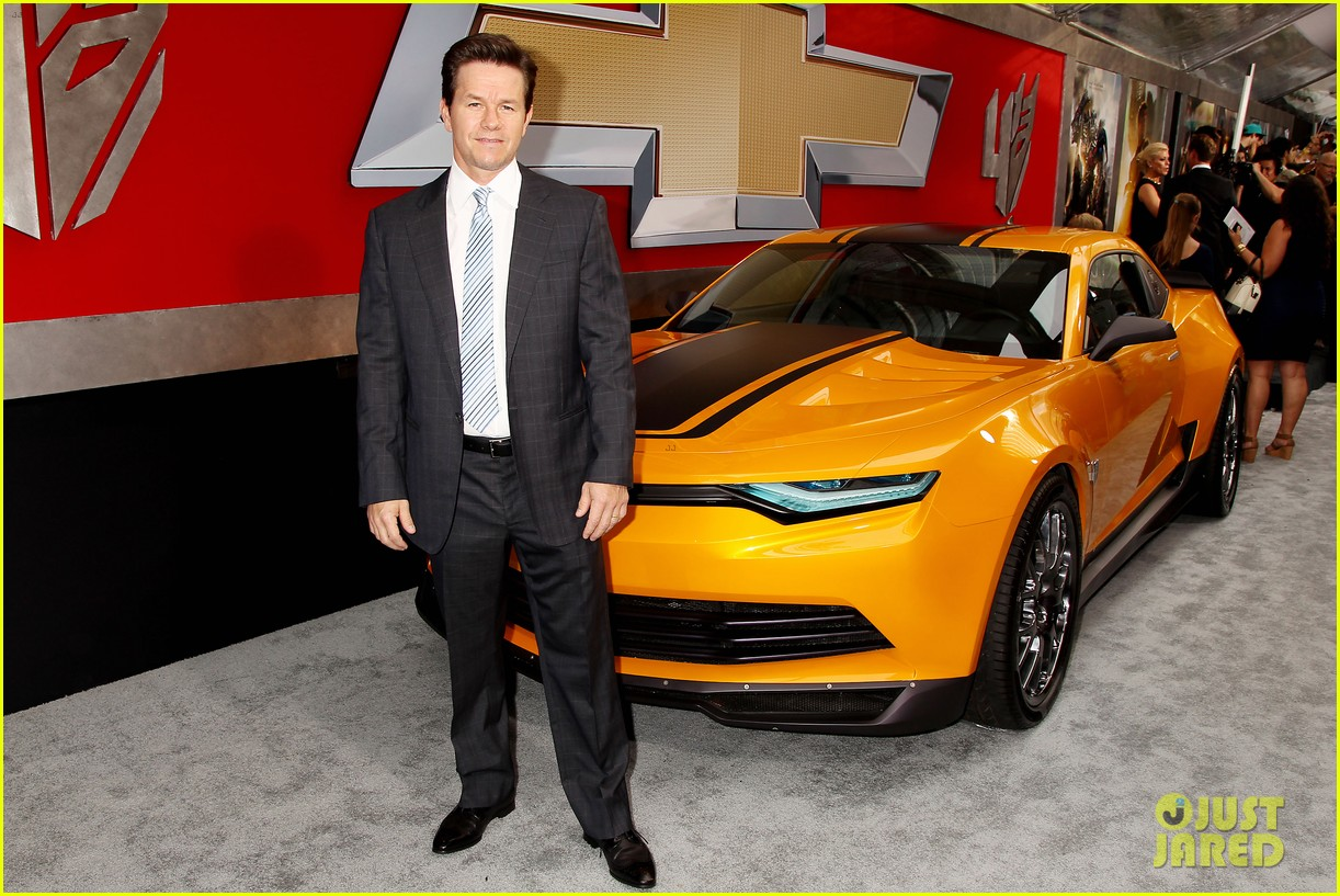 mark wahlberg brings the family to transformers nyc premiere 093143429