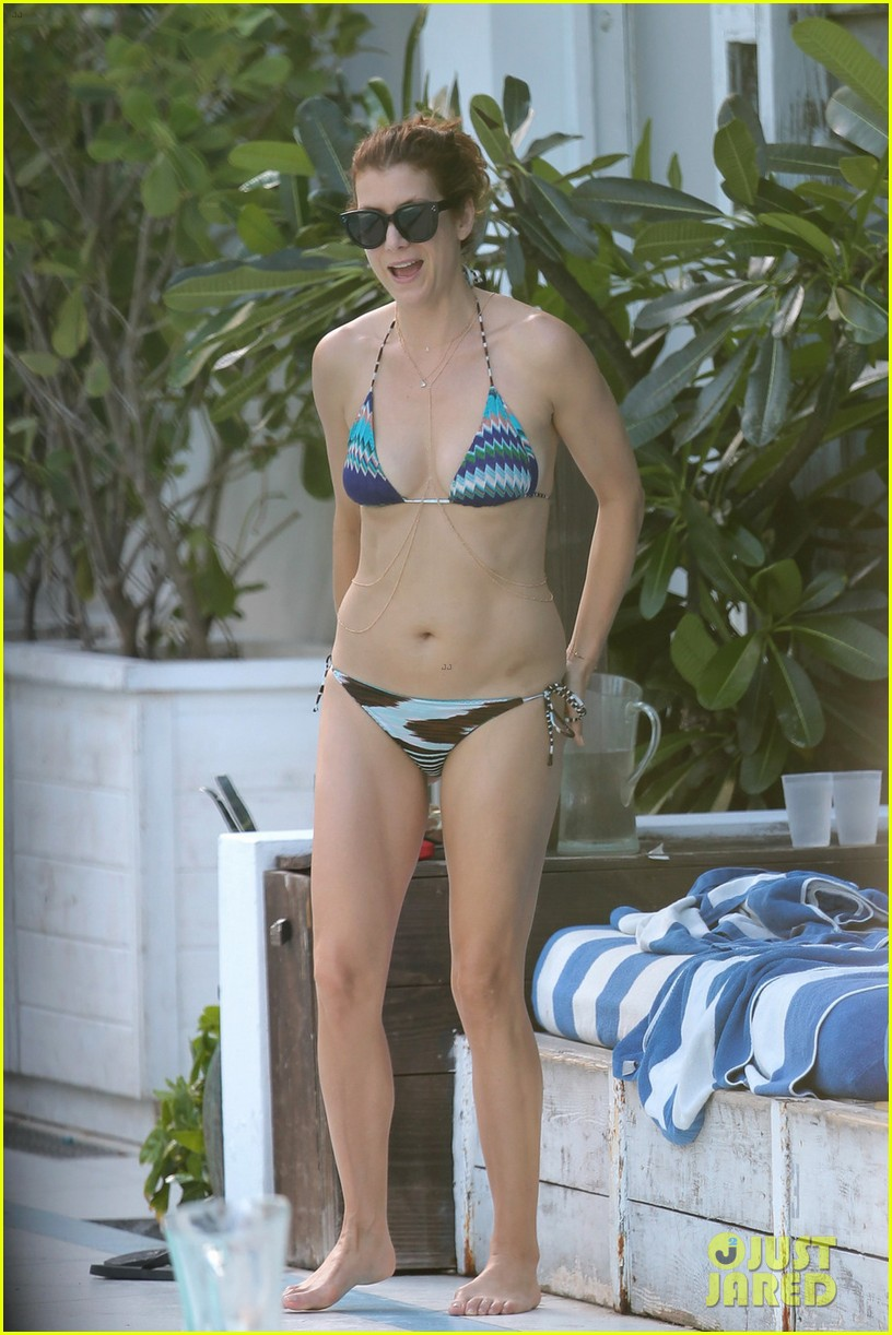 kate walsh amazing bikini body 013137447
