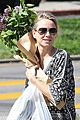 naomi watts is a flowery gal at the farmers apartment 02