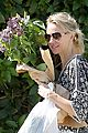 naomi watts is a flowery gal at the farmers apartment 04