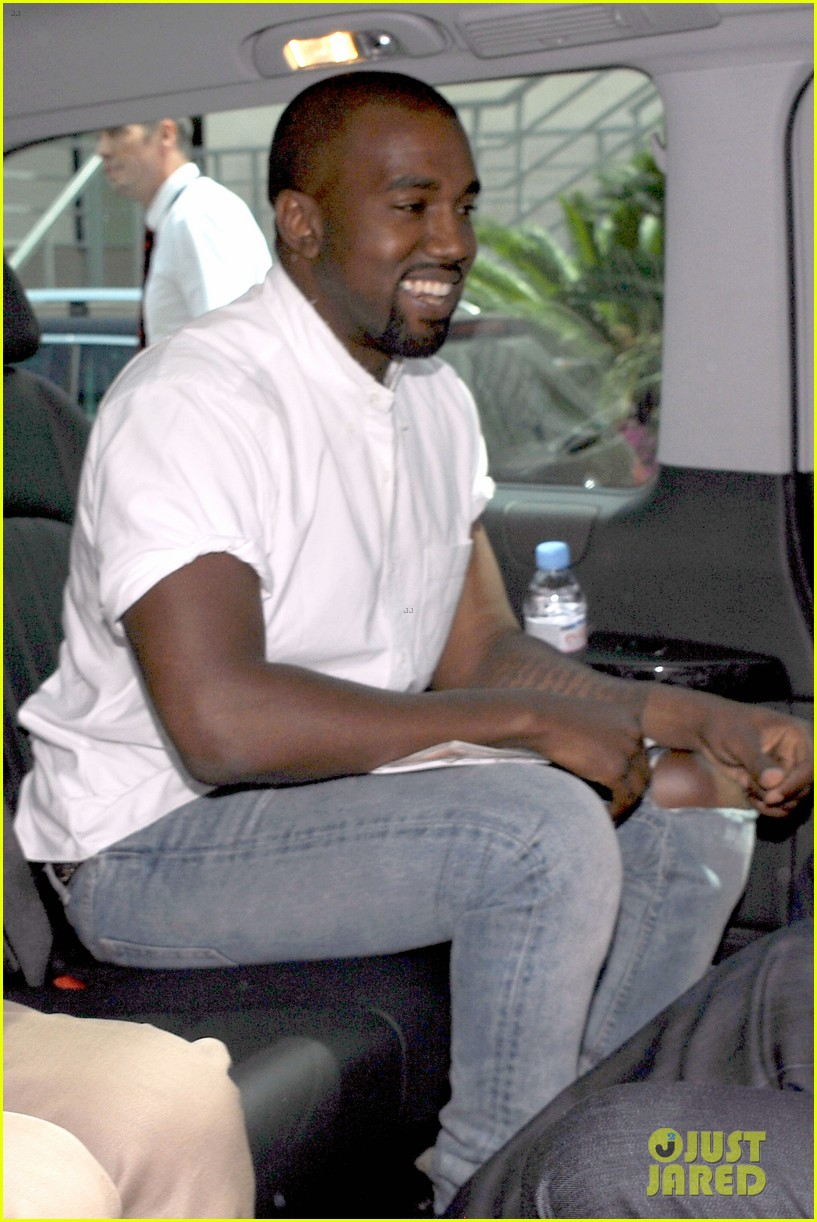 kanye west trashes annie leibovitz for bailing on wedding 083137241