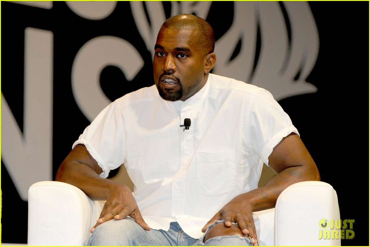 kanye west trashes annie leibovitz for bailing on wedding 113137244
