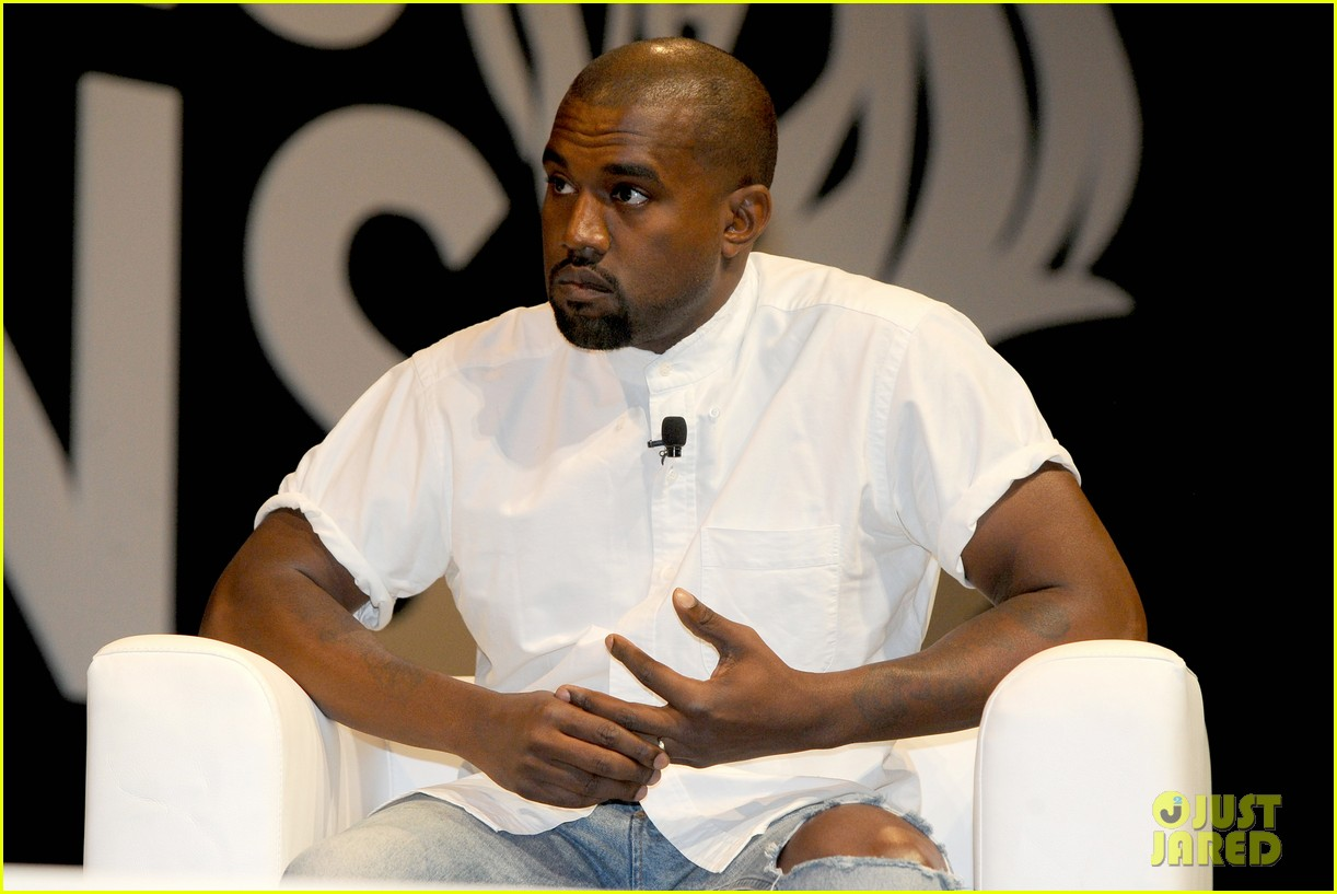 kanye west trashes annie leibovitz for bailing on wedding 193137252