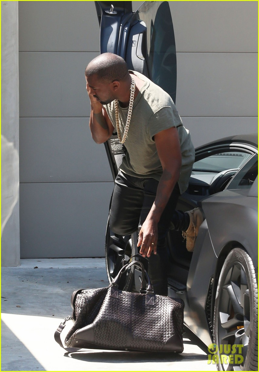 kanye west arrives home north birthday party 103141288