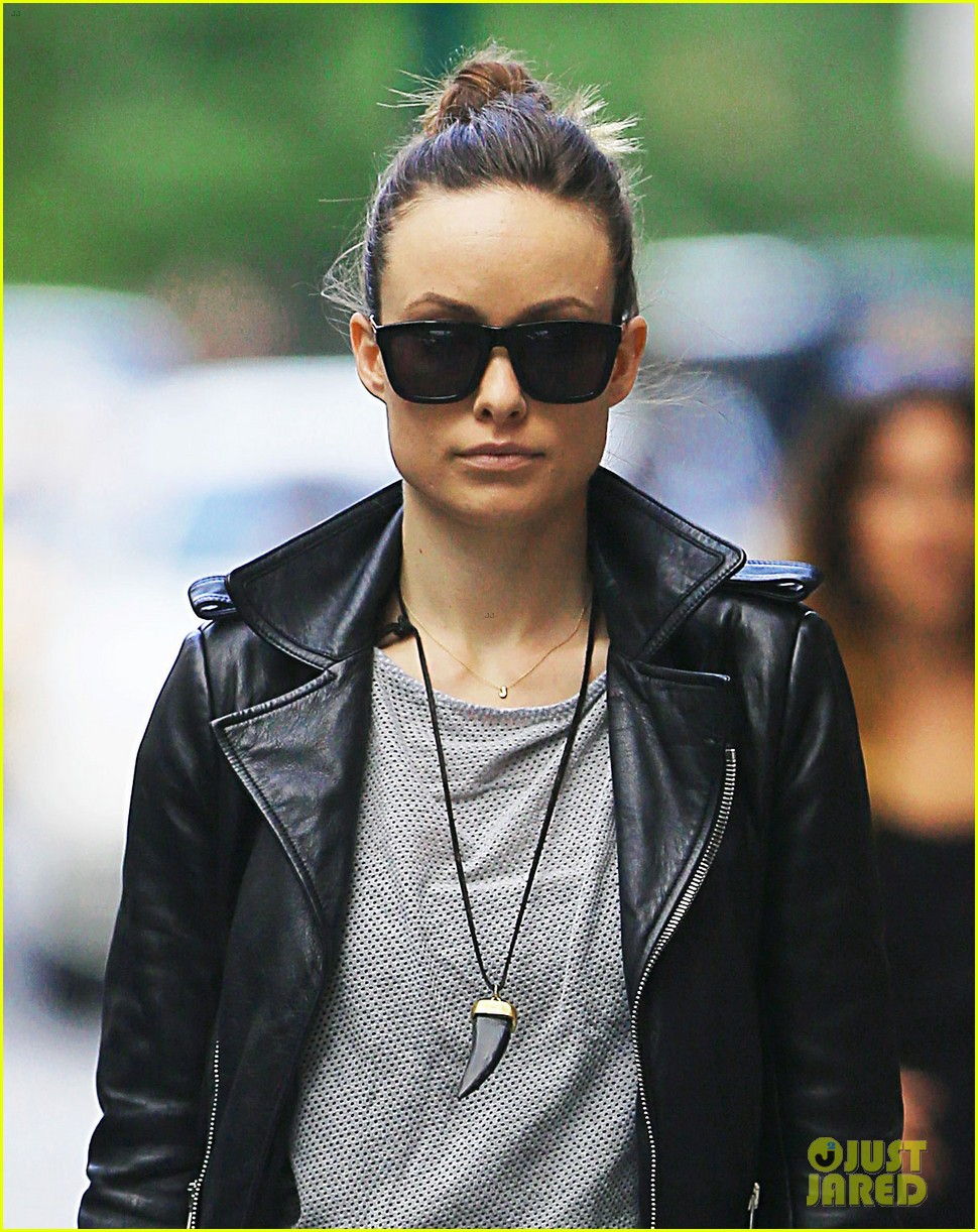 olivia wilde gets the worst psychic reading 153137518