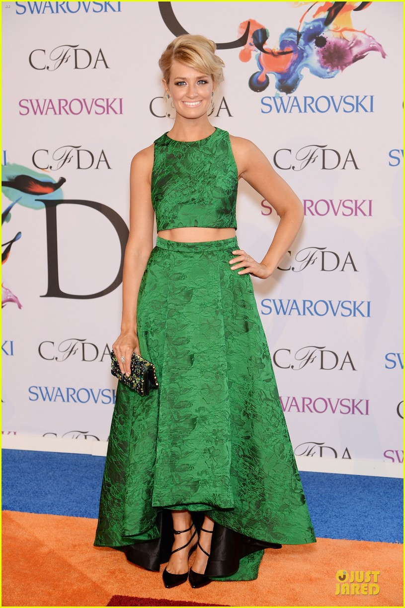 olivia wilde keri russell black at cfda awards 2014 03