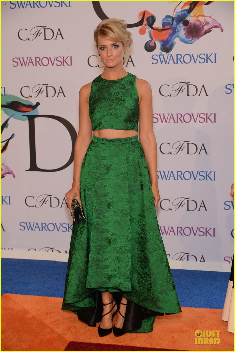 olivia wilde keri russell black at cfda awards 2014 103126830