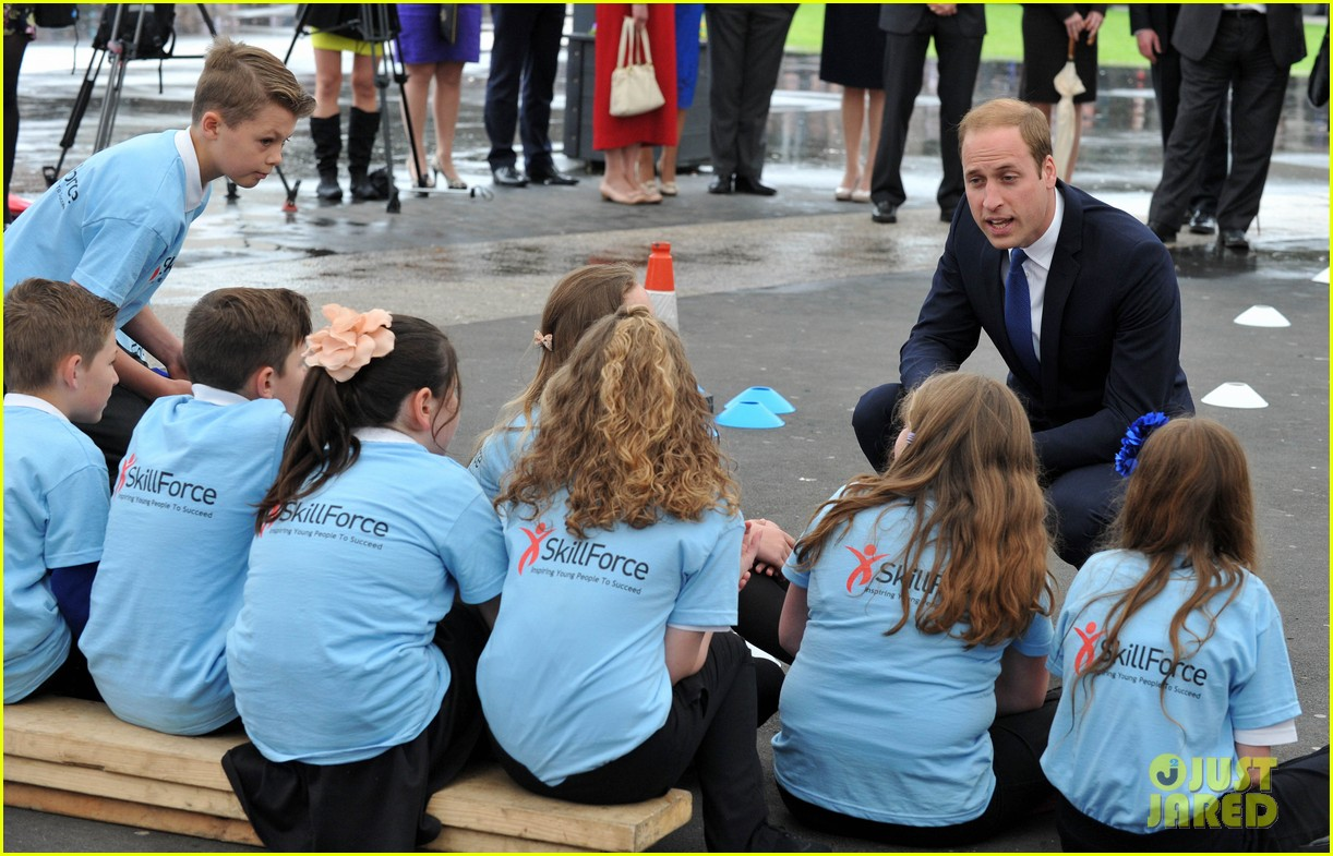 prince william tells students he likes coldplay linkin park 083128734