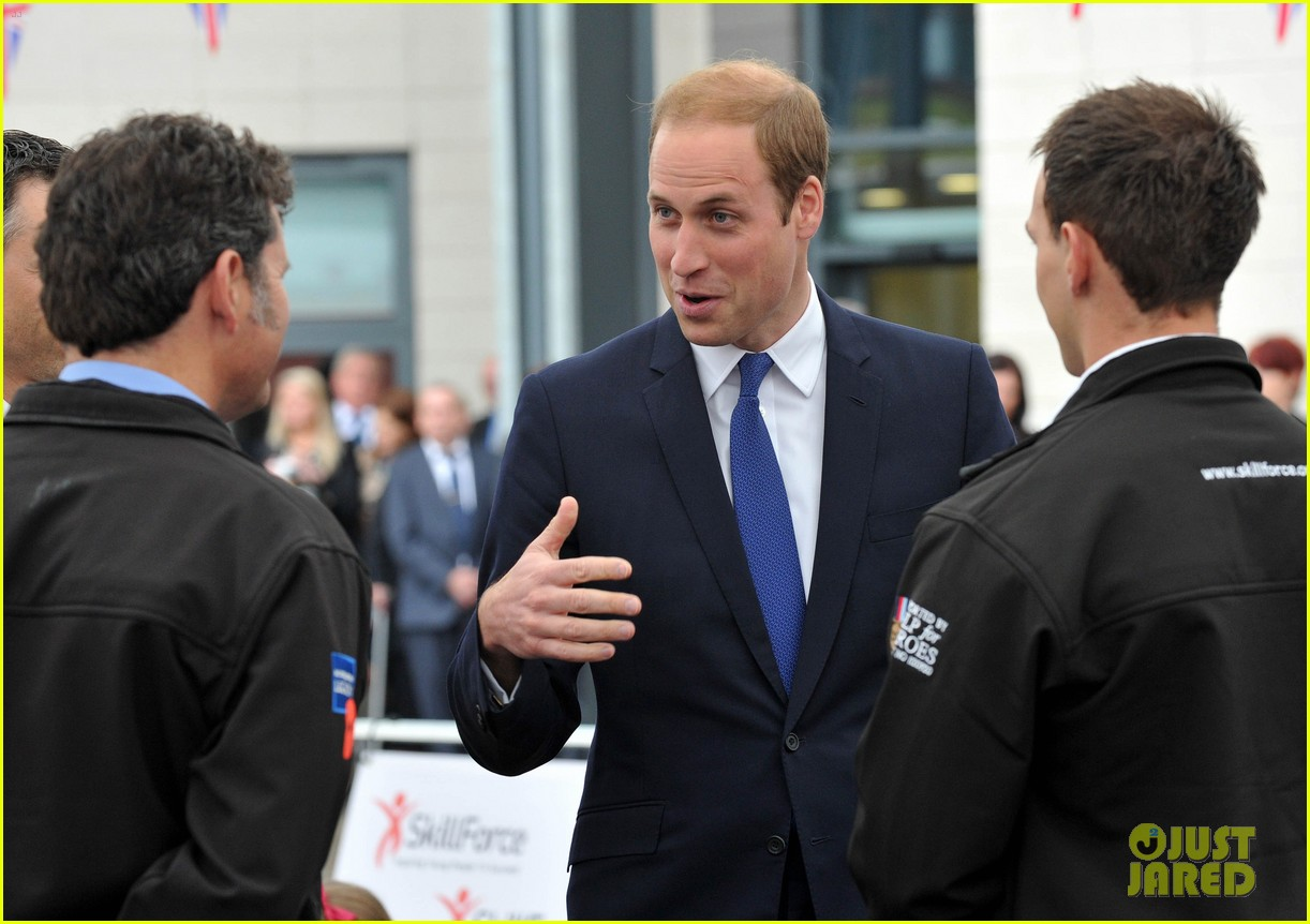 prince william tells students he likes coldplay linkin park 093128735