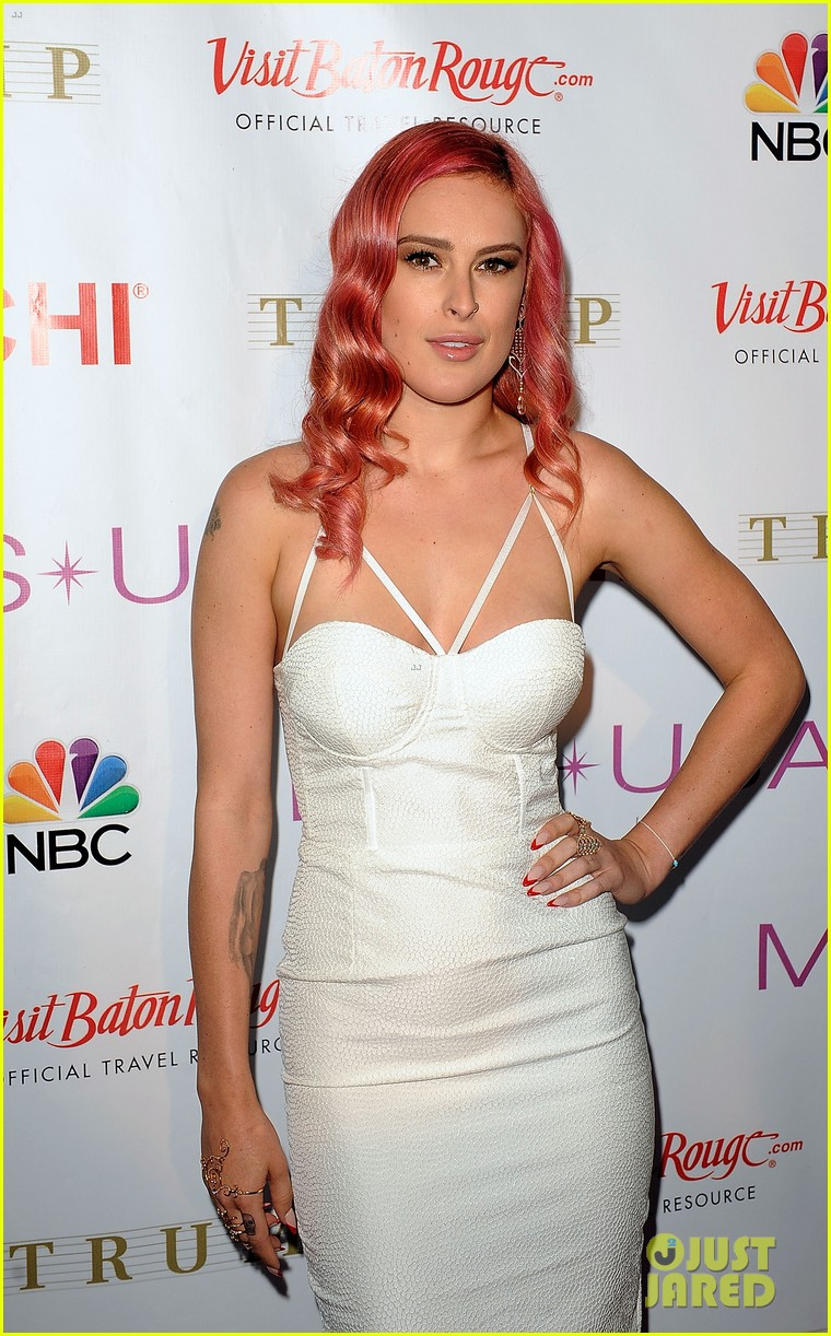 rumer willis is lovely in white for miss usa competition 2014 02