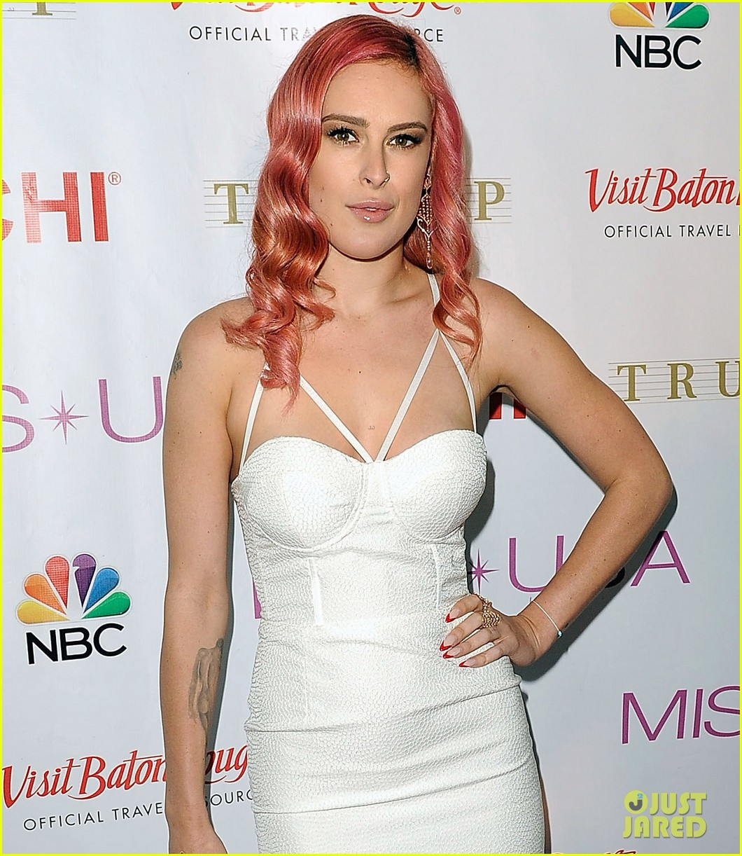 rumer willis is lovely in white for miss usa competition 2014 083131707