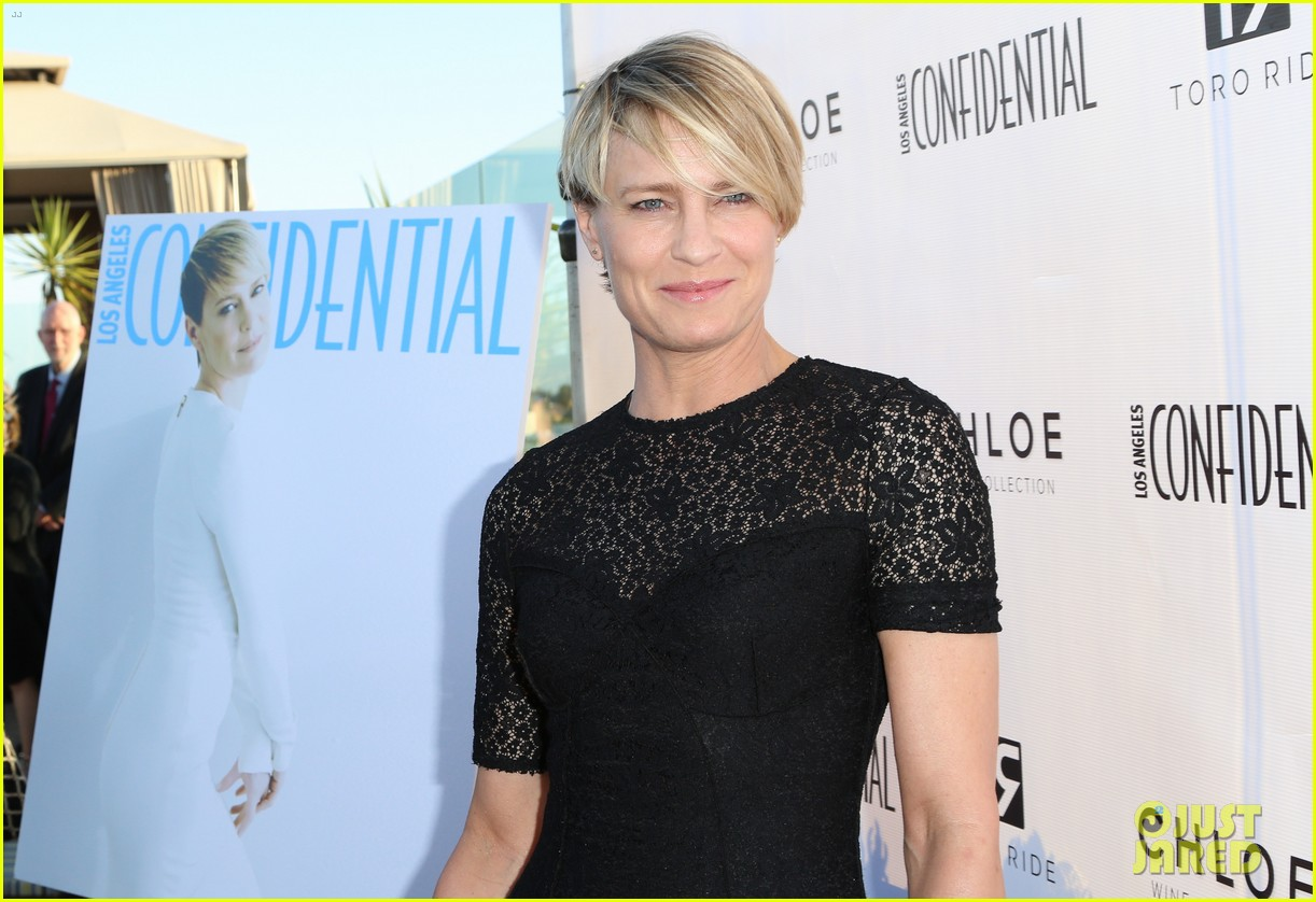 robin wright celebrates her la confidential cover 043128740