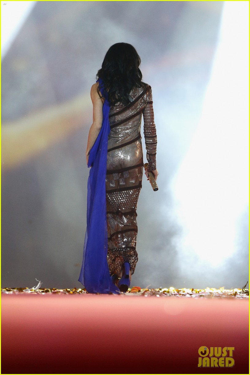 conchita wurst wears five glam looks over life ball weekend 093125642