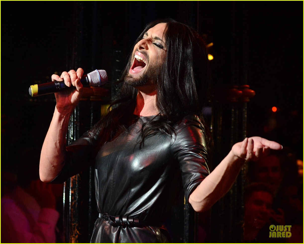 conchita wurst makes statement on love respect tolerance 043145270