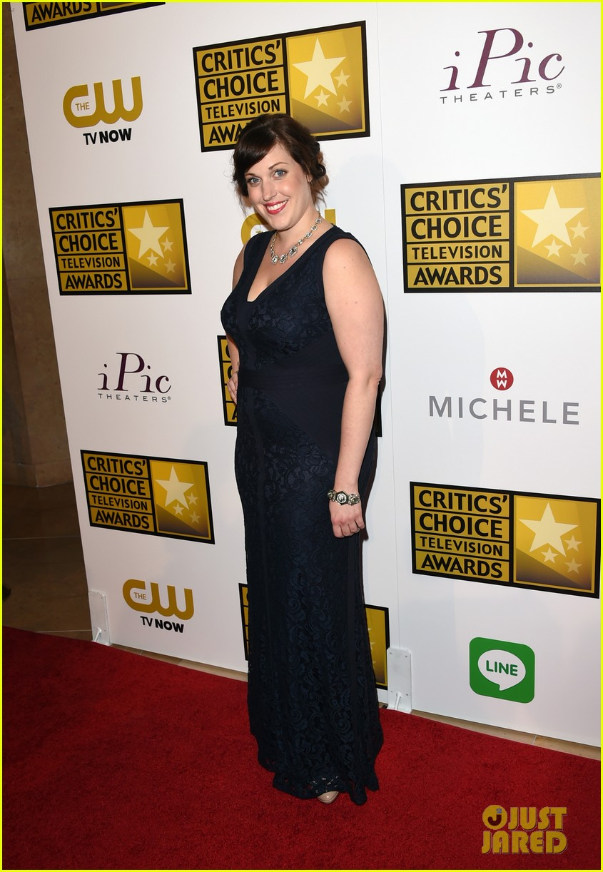 bellamy young wins at critics choice tv awards 2014 063139404