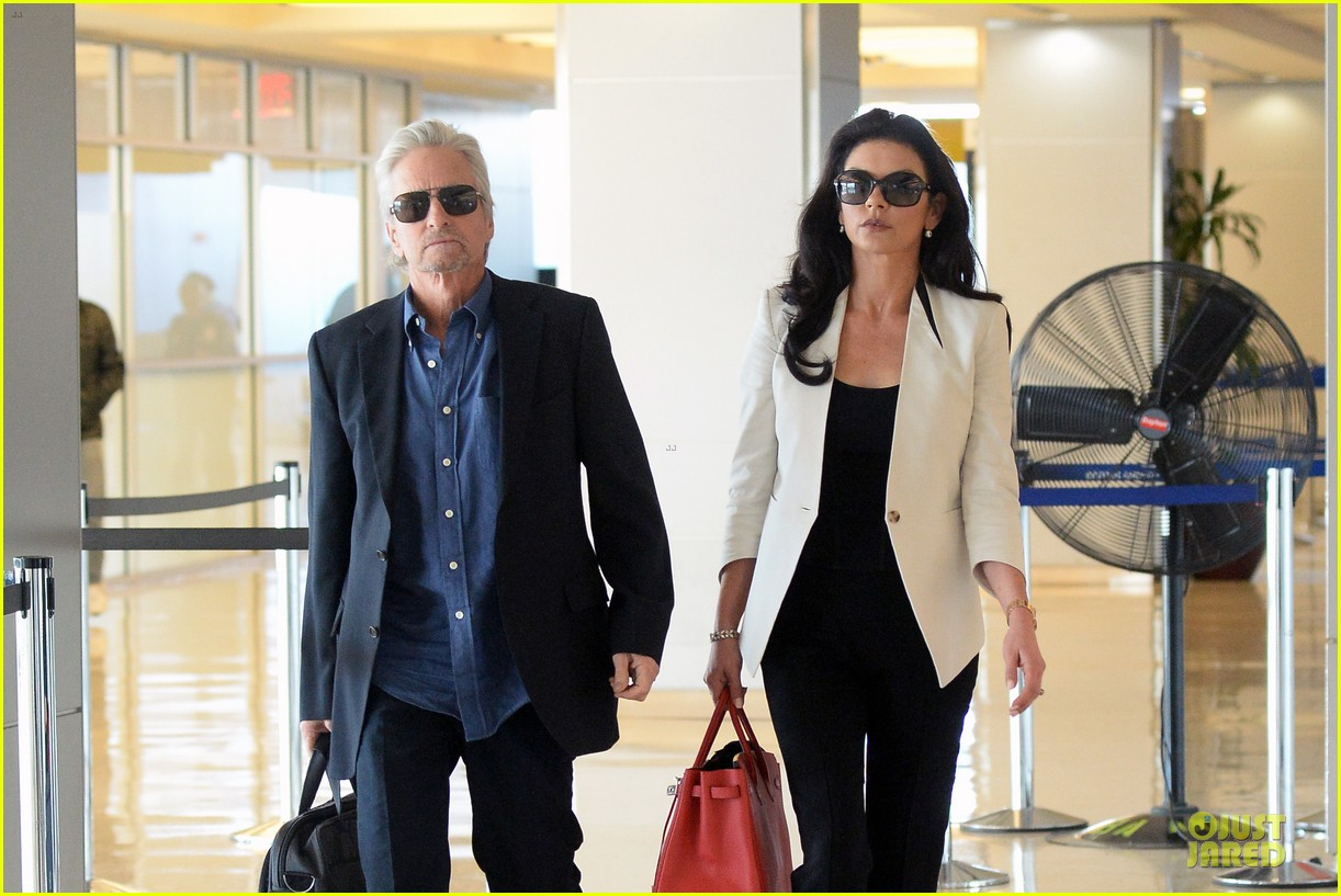 catherine zeta jones michael douglas things are great 043126733