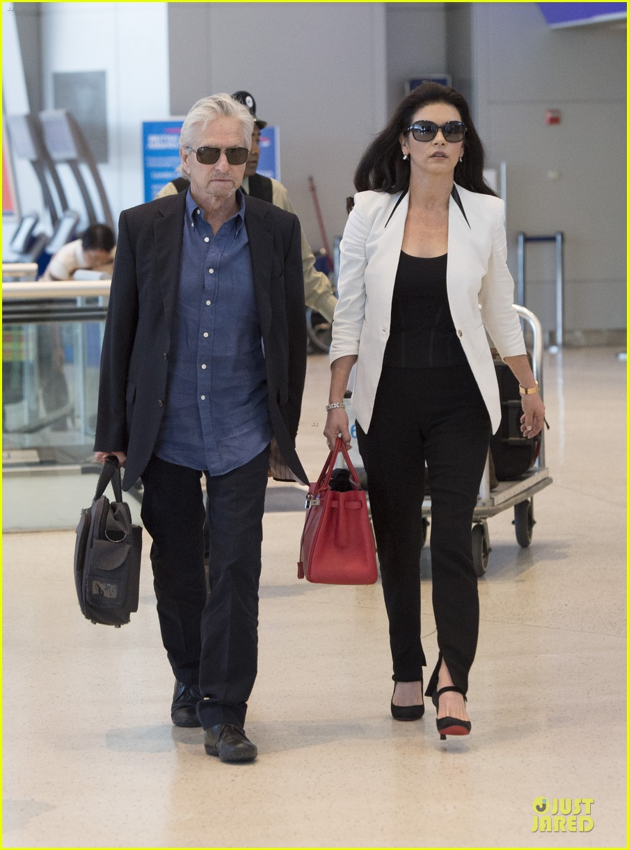 catherine zeta jones michael douglas things are great 073126736
