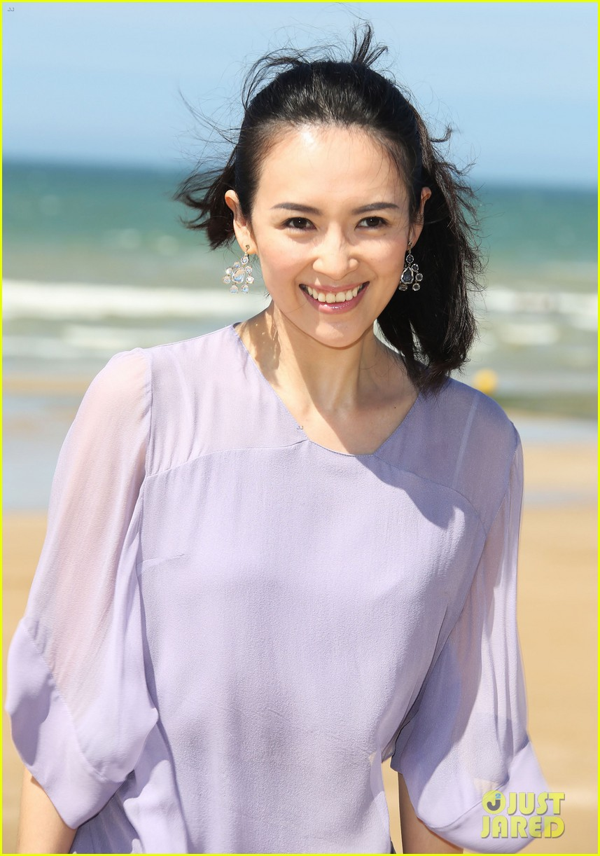 zhang ziyi cabourg film festival beach 023135983