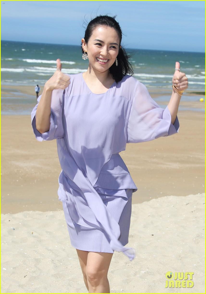 zhang ziyi cabourg film festival beach 103135991