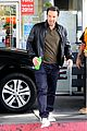 ben affleck fuels up jennifer garner jets of lax airport 22