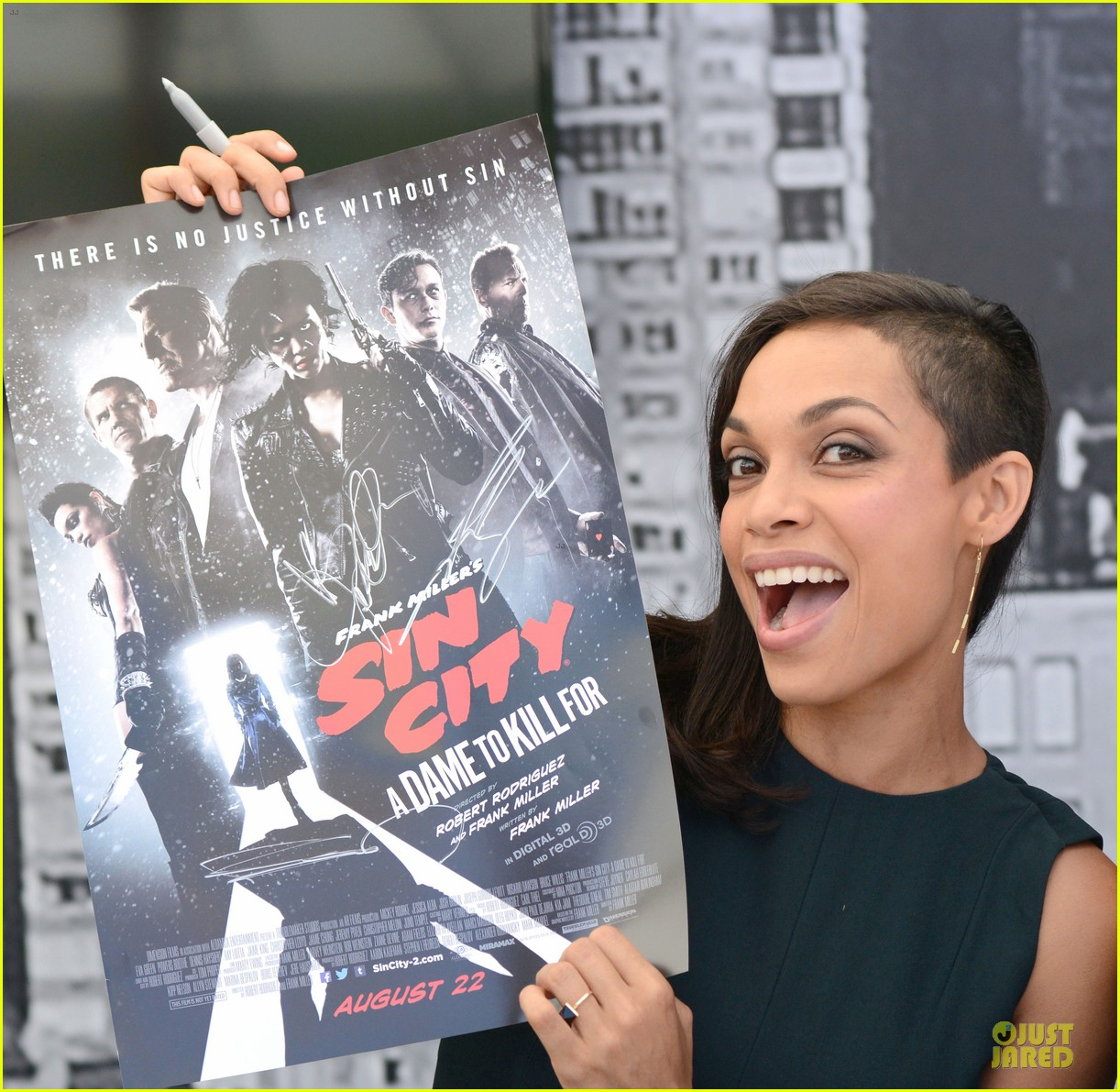 Full Sized Photo of jessica alba rosario dawson comic con ... Rosario Dawson