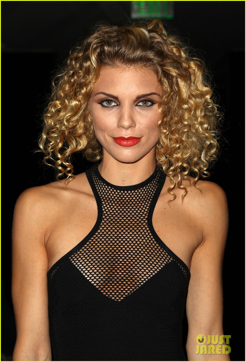 annalynne mccord curls loose stars stripes charity 033148250