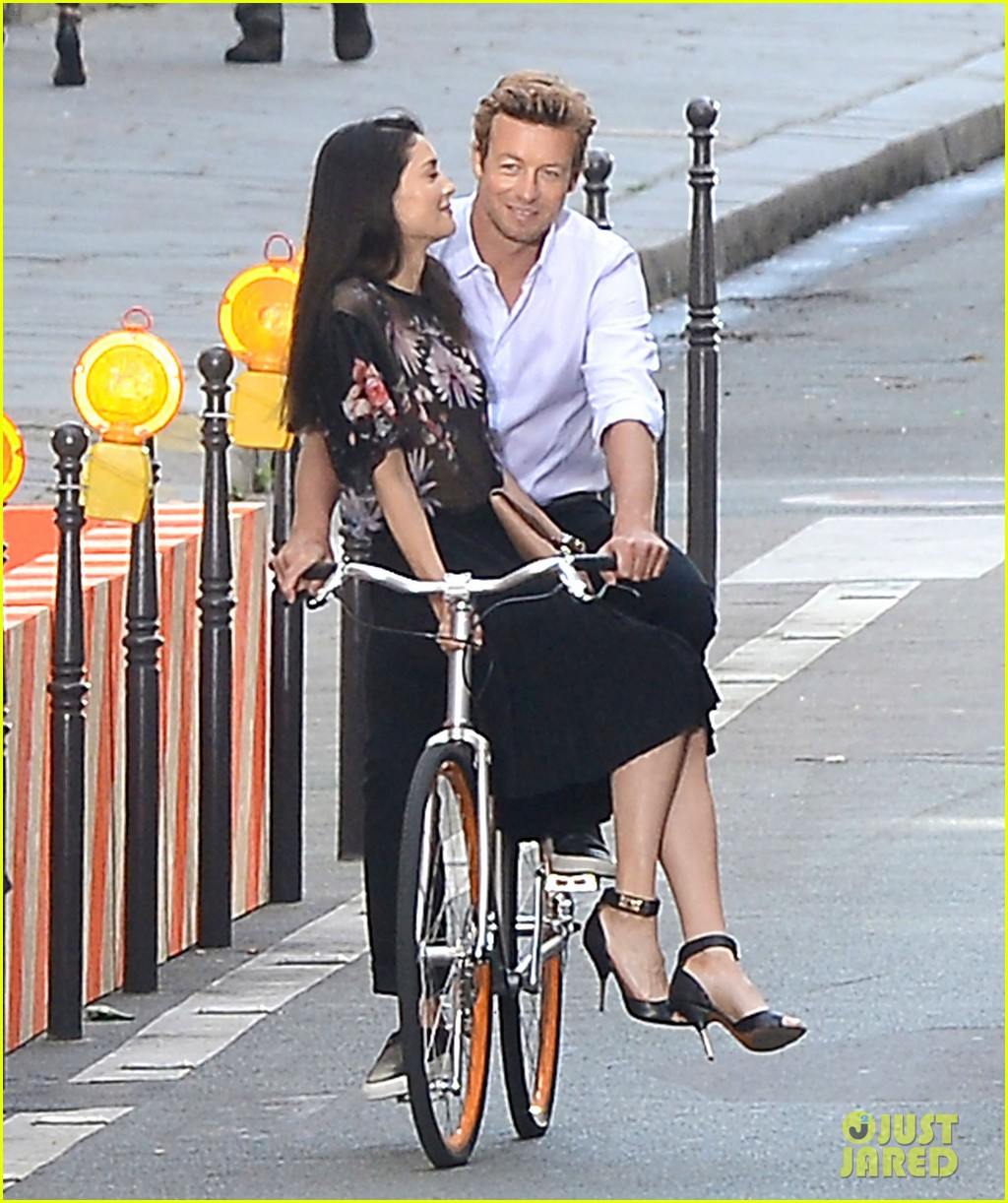 simon baker picks up a lady on his bike for givenchy commercial 013147518