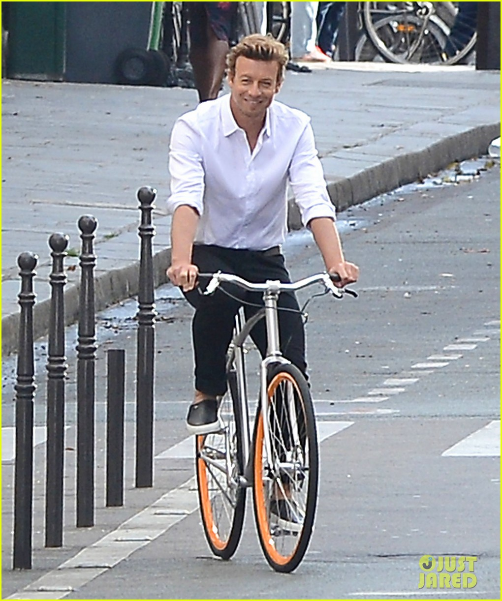 simon baker picks up a lady on his bike for givenchy commercial 023147519