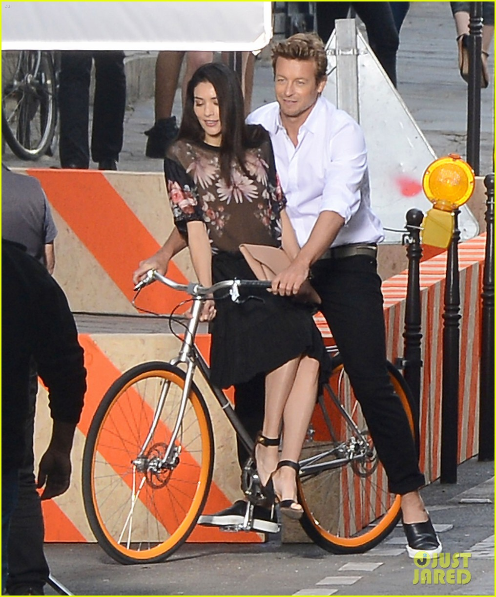 simon baker picks up a lady on his bike for givenchy commercial 043147521