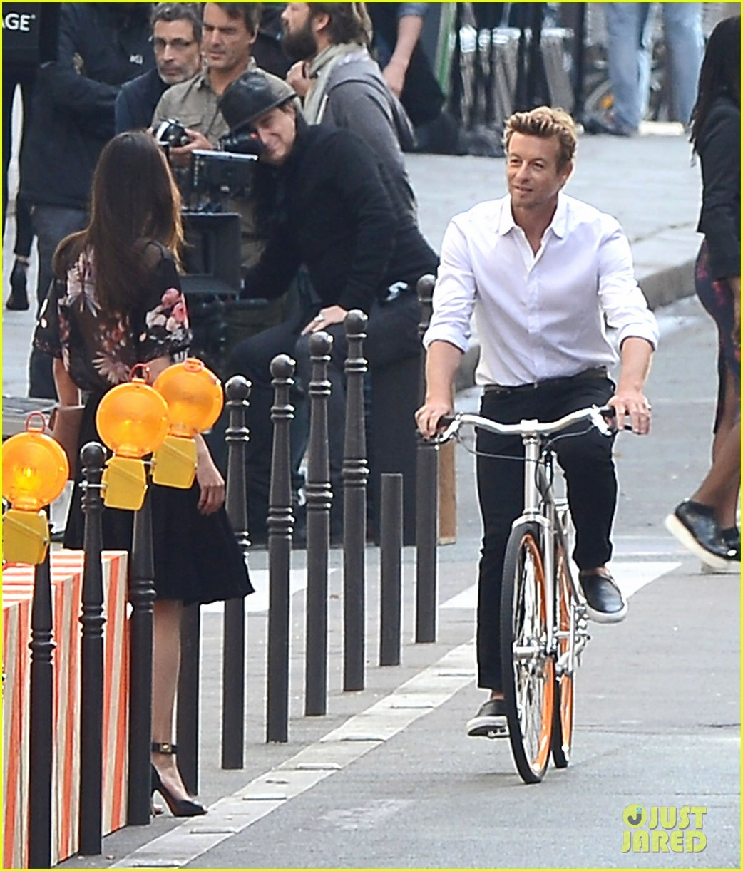 simon baker picks up a lady on his bike for givenchy commercial 063147523