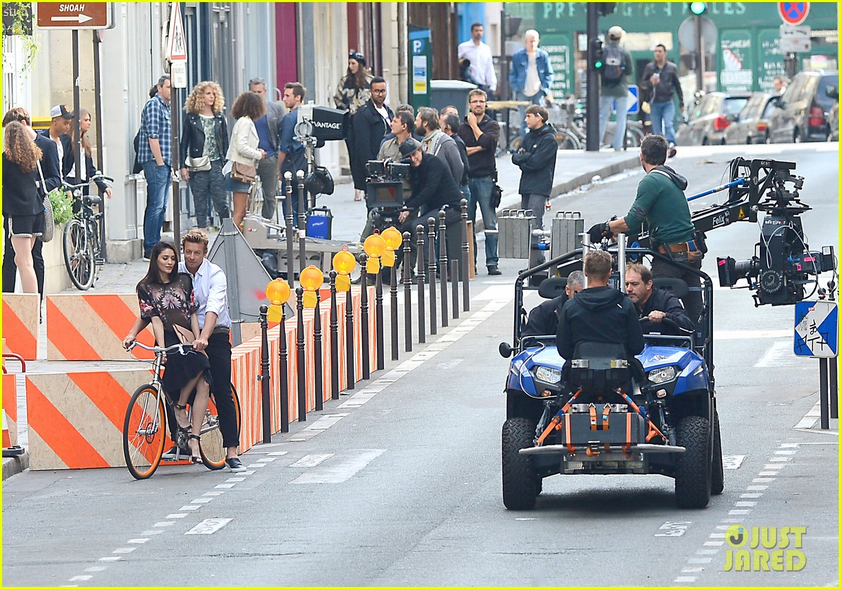 simon baker picks up a lady on his bike for givenchy commercial 073147524