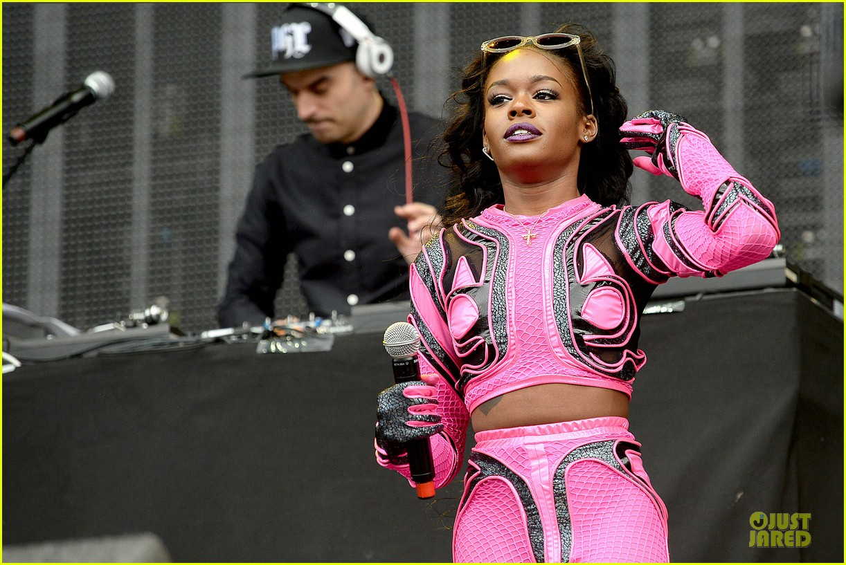 azealia banks rocks pink midriff outfit at wireless festival 043150259
