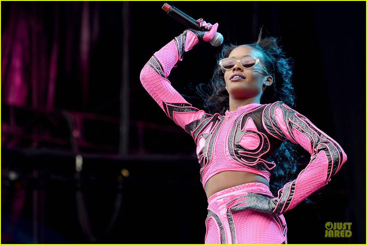 azealia banks rocks pink midriff outfit at wireless festival 123150267