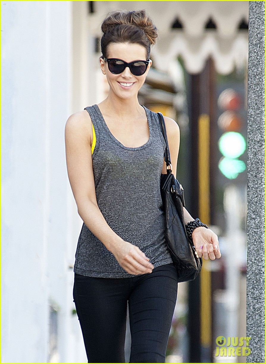 kate beckinsale is celebrating her birthday tomorrow looks more beautiful than ever 063163722