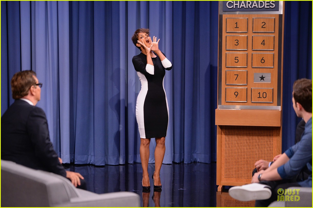 halle berry animated for charades on tonight 013151979