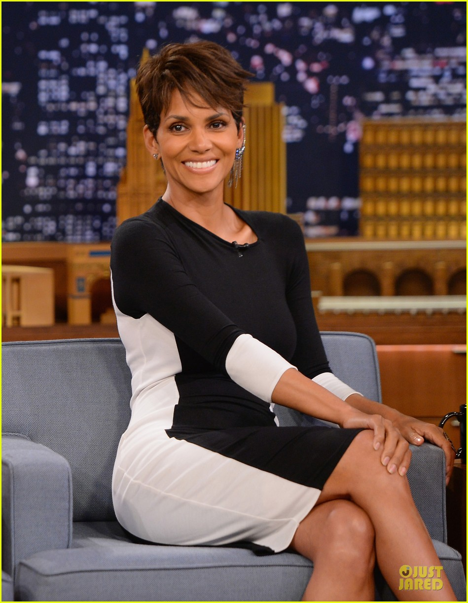 halle berry animated for charades on tonight 043151982