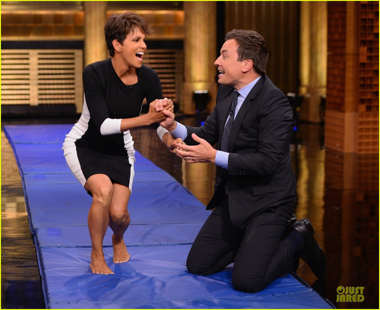halle berry animated for charades on tonight 063151984
