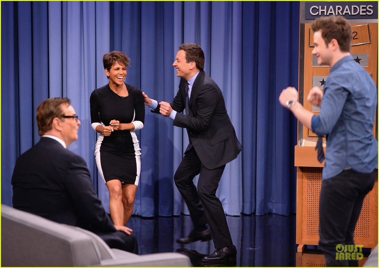 halle berry animated for charades on tonight 083151986