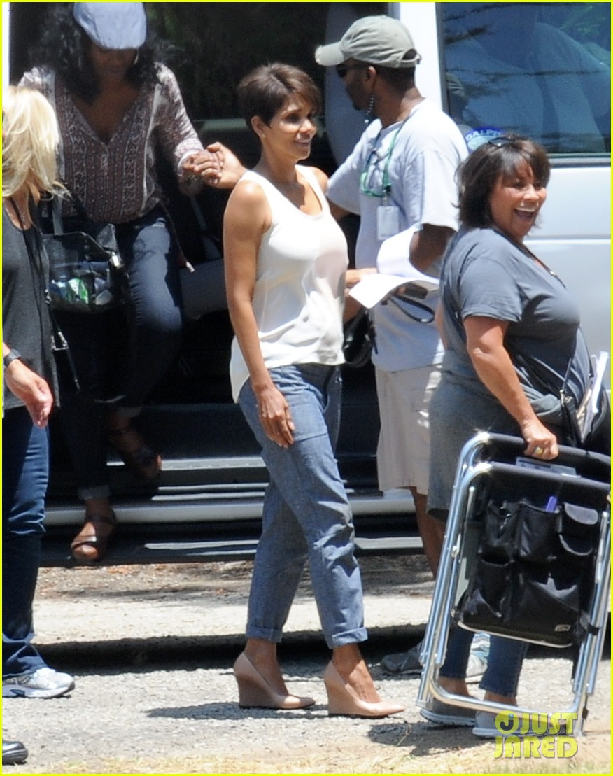 halle berry has intense space encounter in extant 013148834