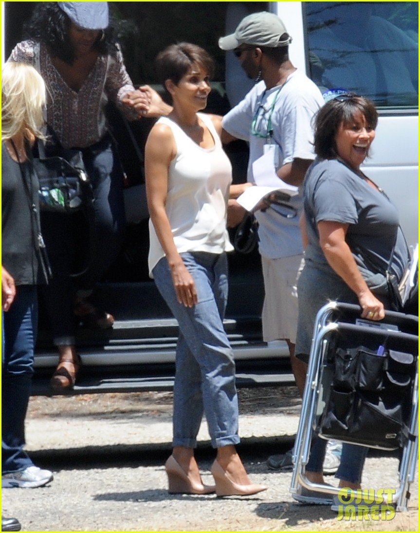 halle berry has intense space encounter in extant 023148835