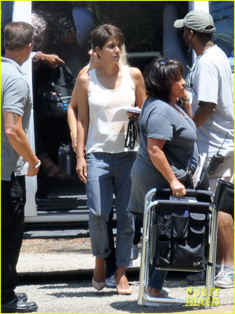 halle berry has intense space encounter in extant 063148839