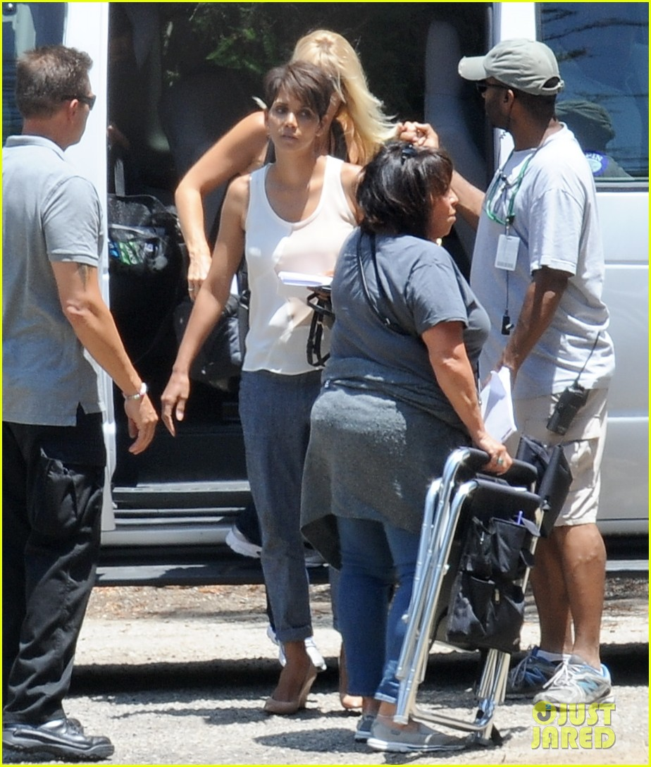 halle berry has intense space encounter in extant 083148841