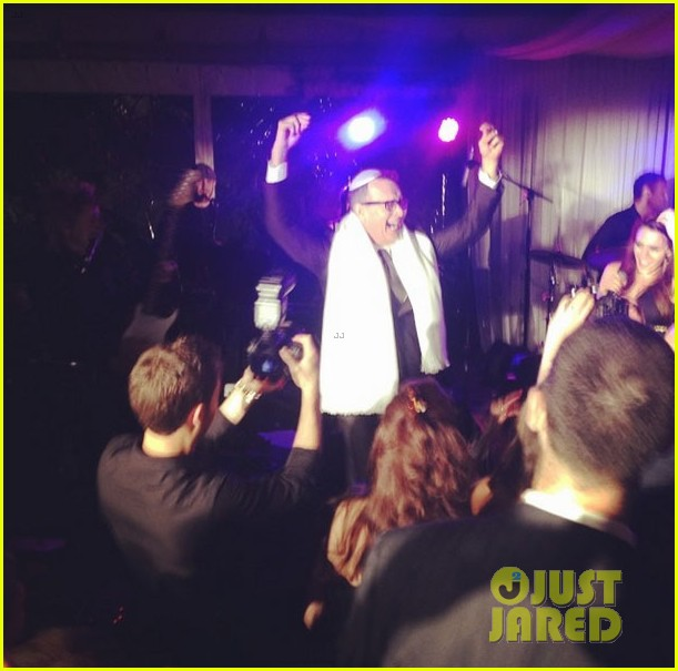 scooter braun gets married justin bieber performs 103151009