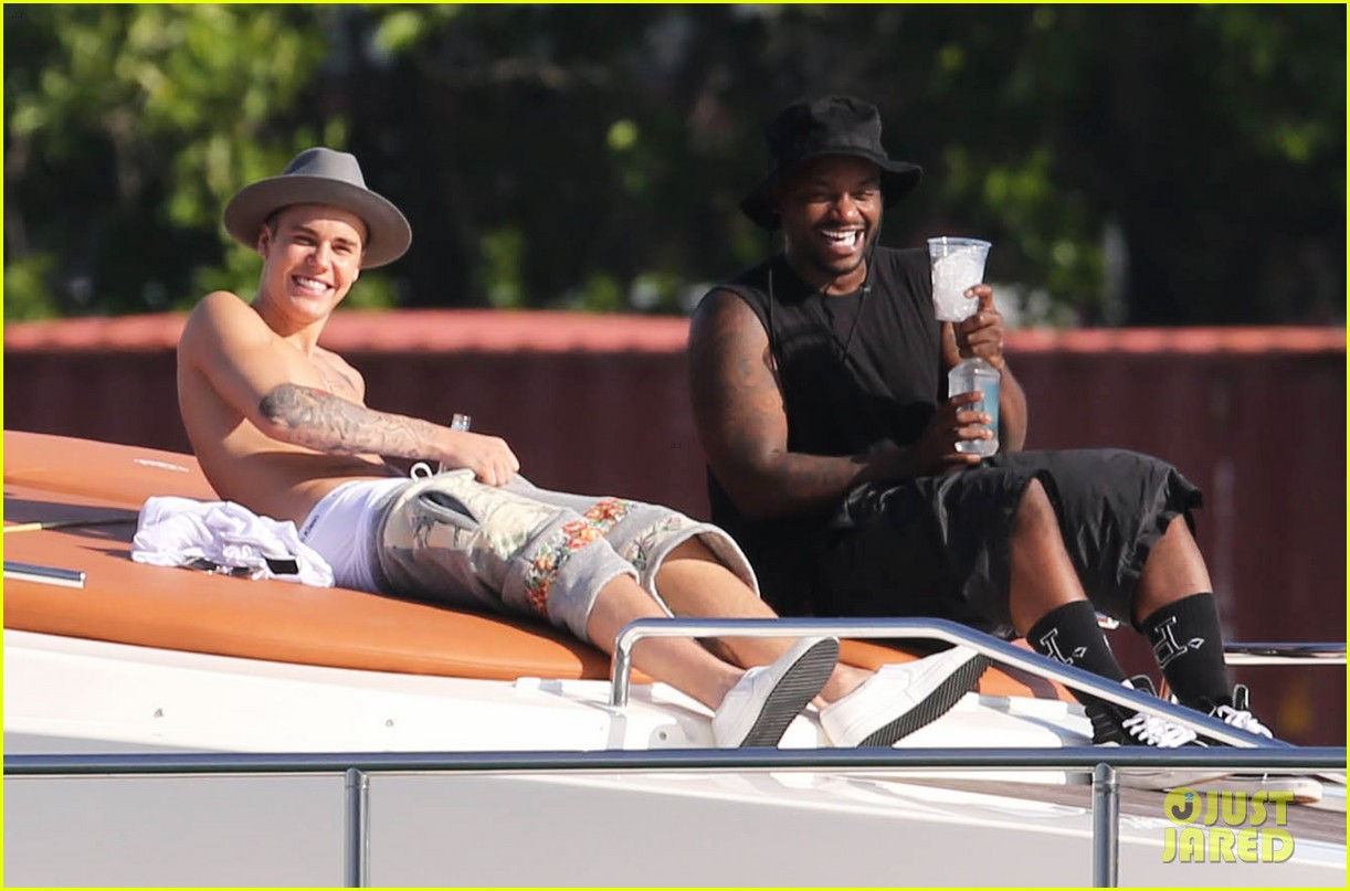 justin bieber shirtless yacht miami 173149133