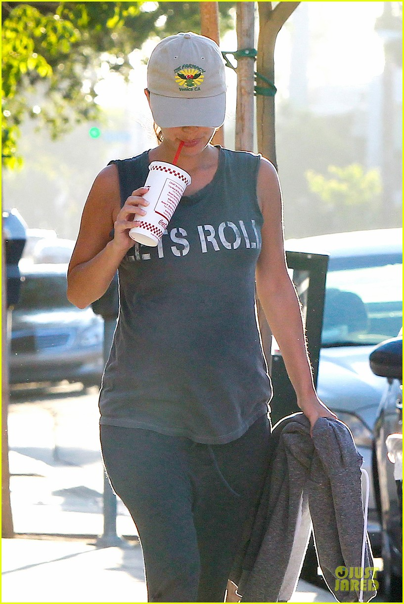rachel bilson says lets roll to lunch 153147397
